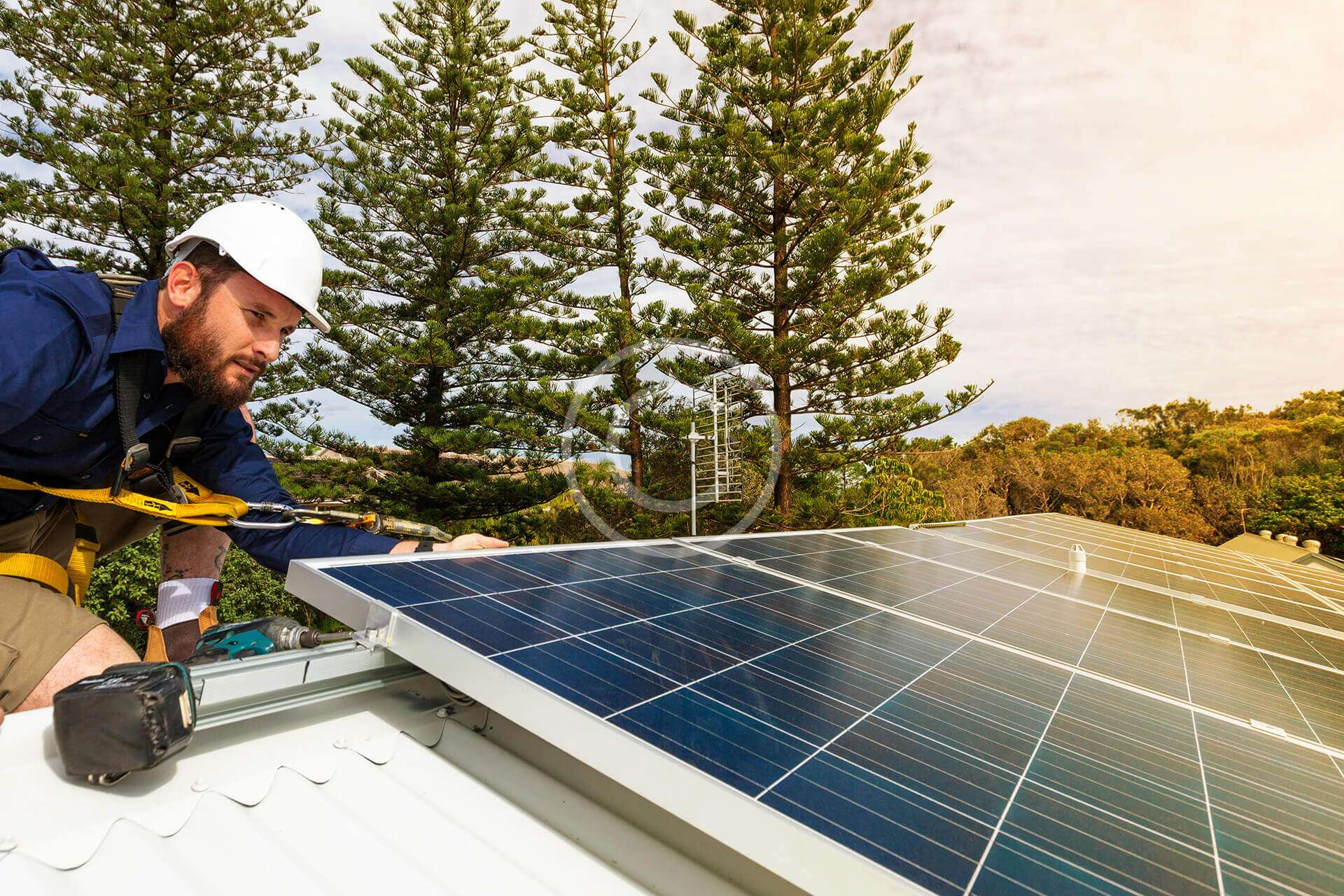Customized design of photovoltaic systems to offset electrical bill